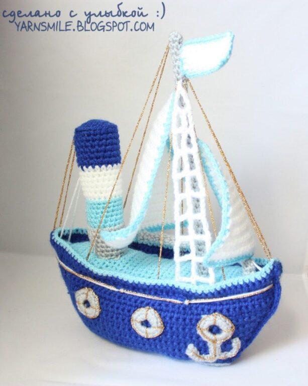 Вязаный кораблик. Ручная работа