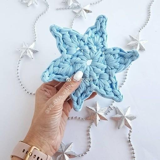Снежинки Hand Made