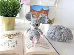 Видео МК от Оlik Ask мышка крючком на Handmade Word