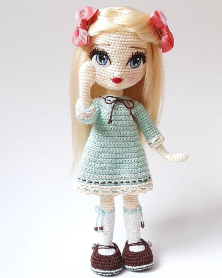 Кукла с поворотной головой